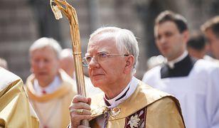 Abp Marek Jędraszewski podczas mszy twierdził, że dzieci mogą być w przedszkolach uczone masturbacji