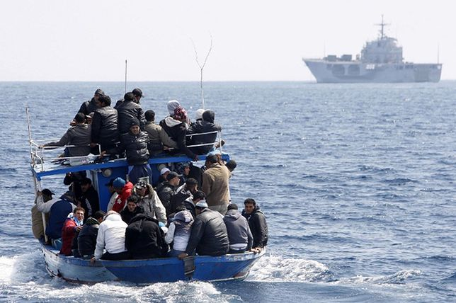 Łódź z imigrantami z Maroka u wybrzeży Włoch