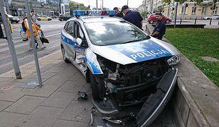 Wypadek radiowozu w Warszawie