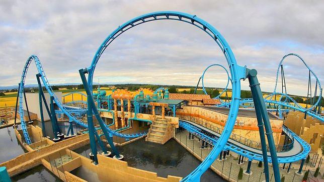 Główną atrakcją Aqualantis jest roller coaster Abyssus