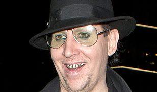 """""""Synowie Anarchii"""": Marilyn Manson bez makijażu jest nie do rozpoznania!"""