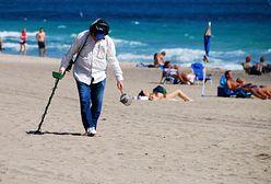 Gorączka złota na plażach. Szukają skarbów po turystach