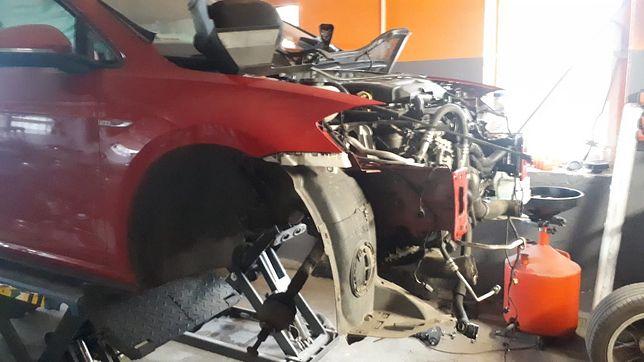 Wołomin. Znaleziono częściowo zdemontowany samochód