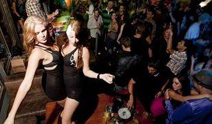 """""""Safer sex, drugs & fun"""". Zadbaj o swoje zdrowie i bezpieczeństwo podczas imprezy!"""