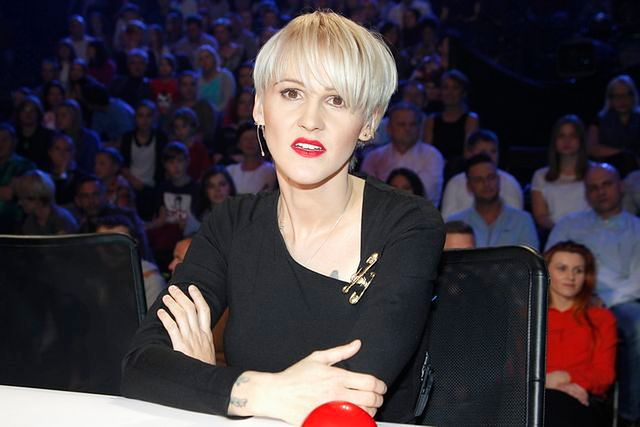 Do twarzy jej z nową fryzurą?