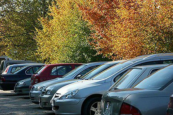 Parking przy Mickiewicza znów otwarty. Kierowcy mogą parkować tam za darmo