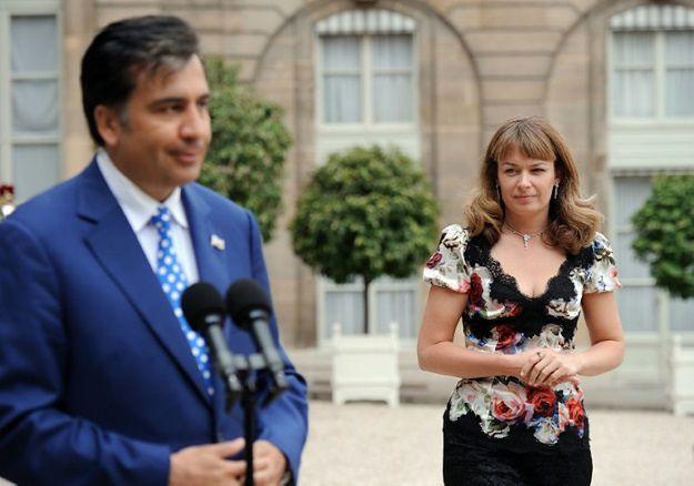 Jej mąż jest ścigany, ona chce być posłanką. Żona Saakaszwilego wystartuje w wyborach