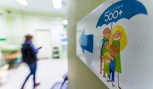 Wsparcie z rządowego programu trafia do 2,45 mln rodzin.