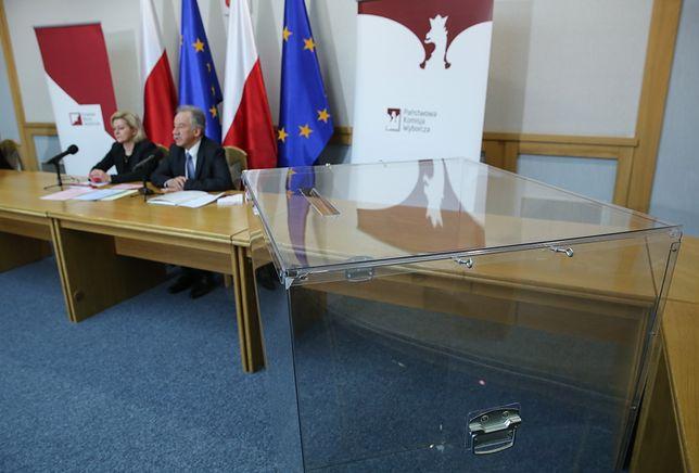 Wybory samorządowe 2018. PKW podjęła decyzję ws. kart do głosowania