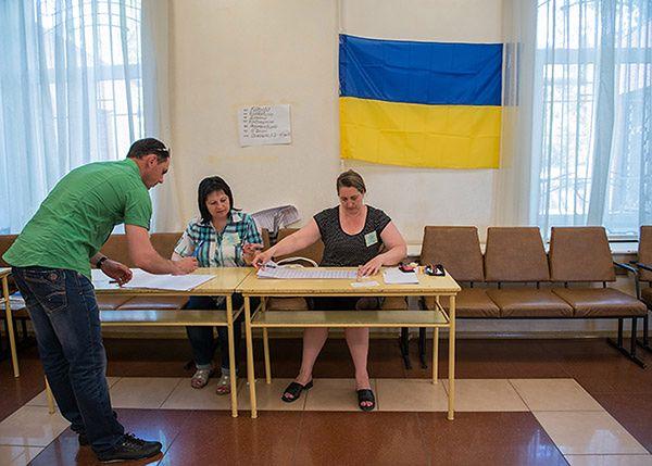 Dziś na Ukrainie wybory i głosowanie w cieniu wojny