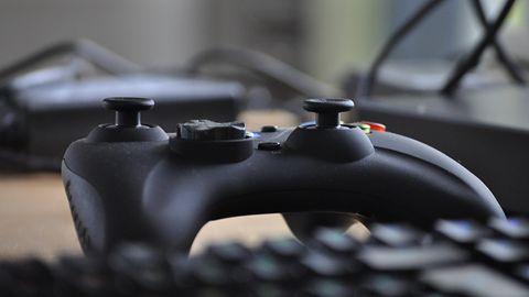 Xbox One (wreszcie) z obsługą klawiatury i myszki. Podano datę aktualizacji i listę zgodnych gier