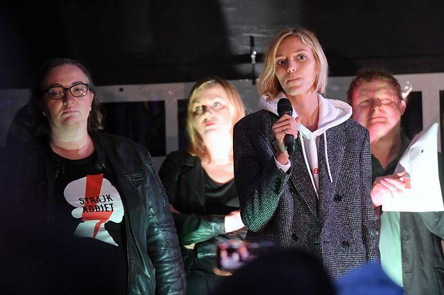 Anja Rubik w proteście przed Sejmem. Broniła edukacji seksualnej