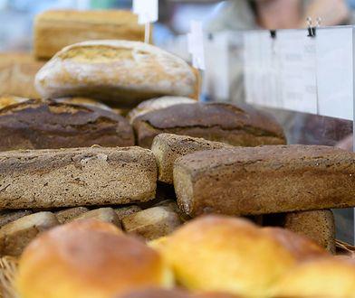 Pełnoziarnisty chleb za 10 złotych. Zawartość zszokowała klienta
