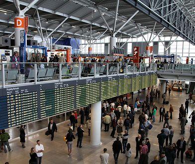 Pasażerowie byli pijani już na lotnisku