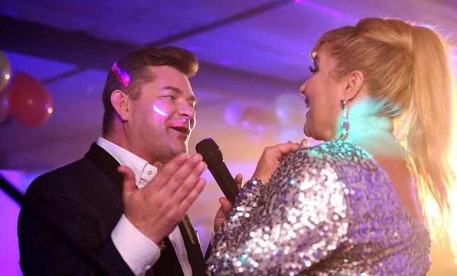 """Zenek Martyniuk zagrała w filmie """"Kogel Mogel""""... samego siebie. To prawdopodobnie najlepsza część tego filmu."""