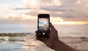 Aplikacje na wakacje. Pomocne e-usługi, które przydadzą się podczas urlopu