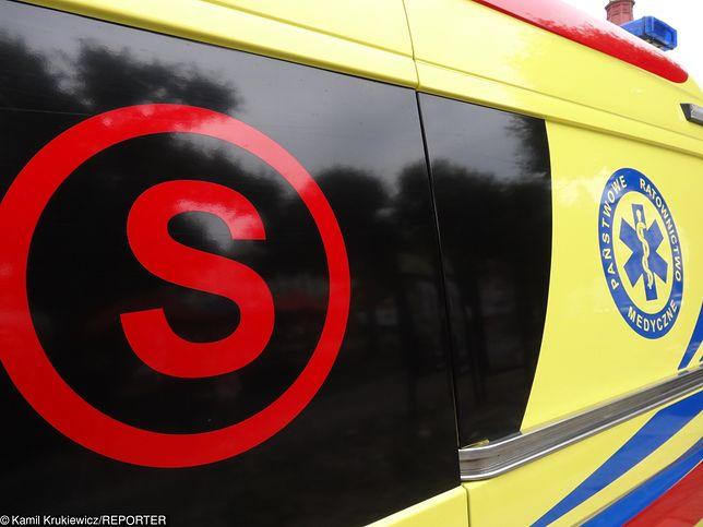 Bydgoszcz: zderzenie karetki pogotowia z samochodem. Dwie osoby ranne