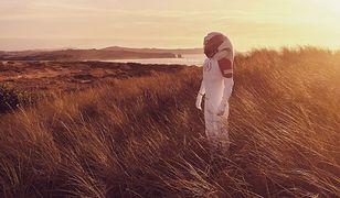 Astroland Agency oferuje podróż na hiszpańskiego Marsa.