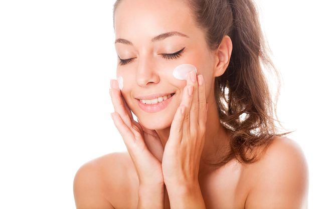 Fenomenalne kosmetyki do twarzy. 10 hitowych produktów cenionej marki kupisz teraz taniej