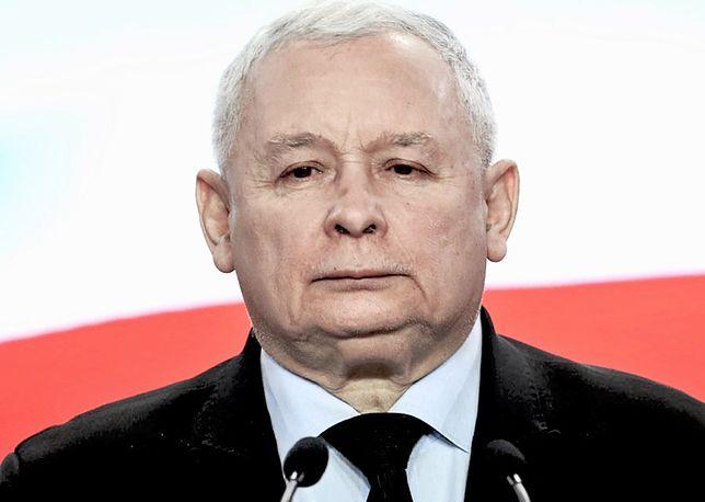 Kaczyński podczas obchodów miesięcznicy smoleńskiej powiedział, że Polska będzie może samotną wyspą, ale jednocześnie wyspą wolności i tolerancji
