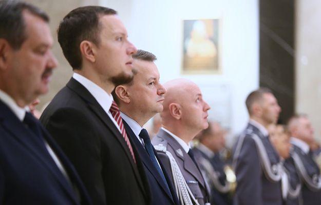 Wiceminister Tomasz Zdzikot (obok szefa MSW Mariusza Błaszczaka)