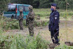 Kryzys na granicy. Ks. Lemański chciał przekazać wodę migrantom