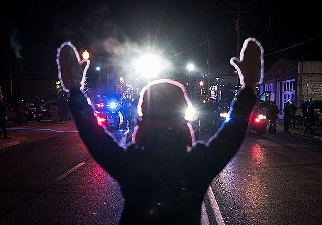 Strzelali, podpalali domy, grabili sklepy - zdjęcia