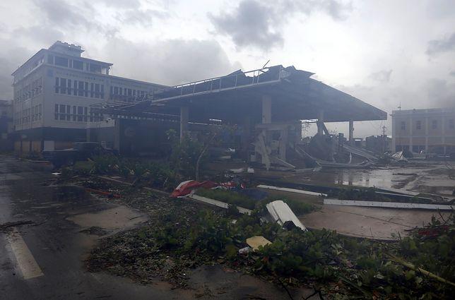 Polacy przeżyli dwa huragany i nie mogą wydostać się z Karaibów. Polski MSZ nie reaguje