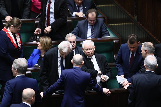 PiS chce omówić zmiany w rządzie? Narada kierownictwa partii na Nowogrodzkiej