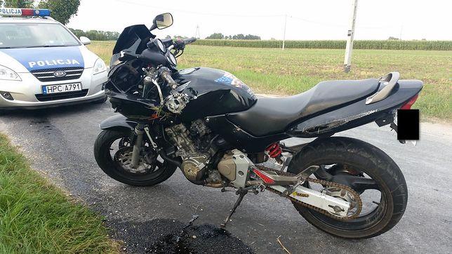 Policja może skontrolować, czy motocykl ma wszystkie wymagane elementy.