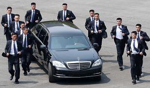 Kim Dzong Un z ochroną w czasie spotkania z prezydentem Korei Południowej