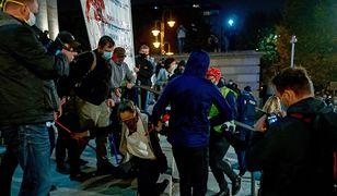 W niedzielę doszło do starć między protestującymi.