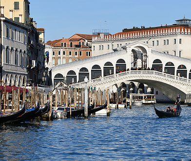 W Wenecji odsłonięto nietypową rzeźbę