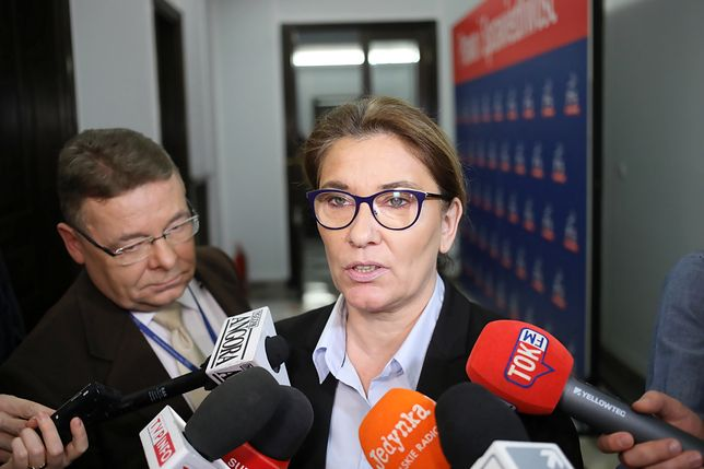 Beata Mazurek: módlmy się, albo milczmy