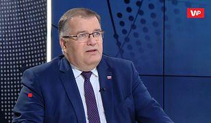 Miażdżący sondaż dla Schetyny. Andrzej Dera komentuje