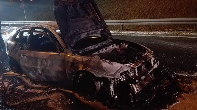 Na A1 zapłonął samochód. Są utrudnienia