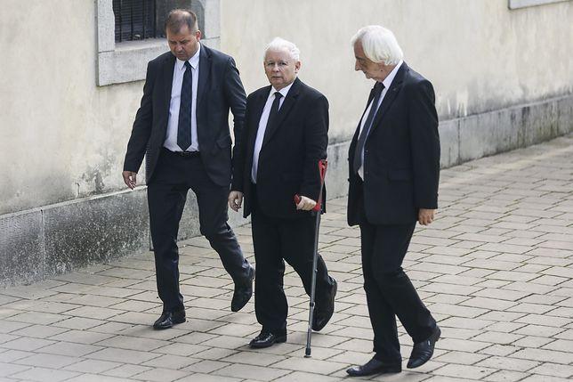 Jarosław Kaczyński długo zmagał się z bólem kolana