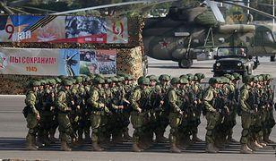 Rosyjscy żołnierze w bazie w Latakii