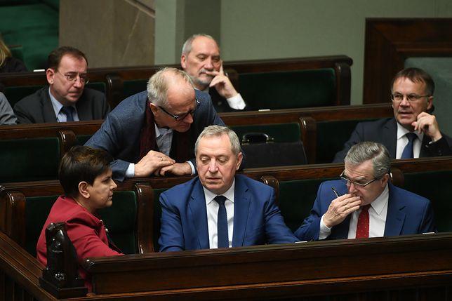 Premier Beata Szydło wydała na nagrody dla ministrów 1,5 mln zł