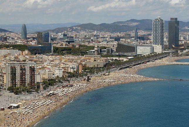 Sant Sebastia to jedna z najpopularniejszych plaż w Barcelonie