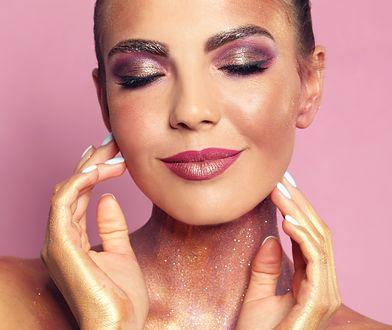 Sylwestrowy makijaż – postaw na blask!