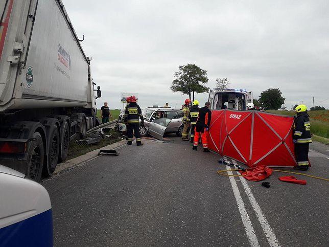 Płońsk. Wypadek na DK 7. Zmarła kobieta, troje dzieci rannych