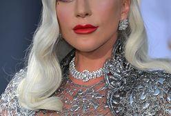 Zjawiskowa Lady Gaga cała w srebrze. Ta suknia zapiera dech w piersiach