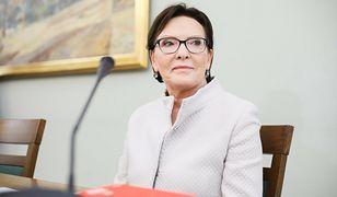 """""""Sieci"""": zdjęcia Ewy Kopacz w prosektorium to symbol postawy rządu w kwietniu 2010 r."""