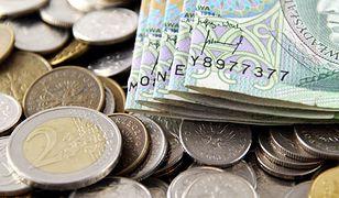 Przeszło 26 mln zł zaległości w wypłacaniu pensji za 2013 r.