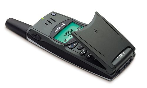 Choć Ericsson T28 nie mógł konkurować z Nokią 7110, był niewielki, stylowy i niezawodny. Sprawiał, że z przyjemnością trzymało się go w ręce i z nudów otwierało i zamykało klapkę.