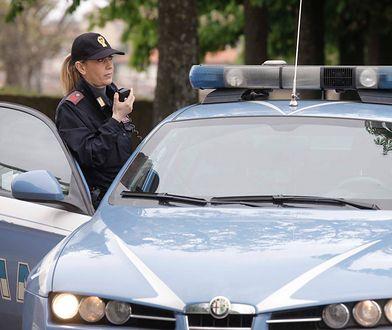 Sprawna akcja włoskiej policjantki pozwoliła schwytać nożownika