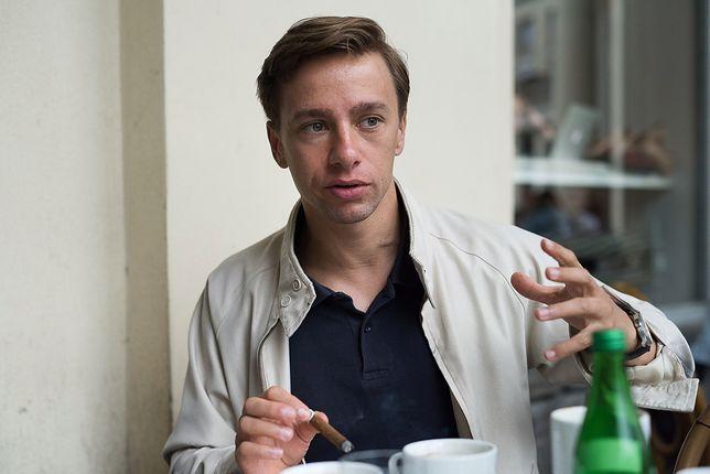 """Krzysztof Bosak i """"afera z dowozem jedzenia"""". Przeszkadza mu Hindus w turbanie pedałujący na rowerze"""
