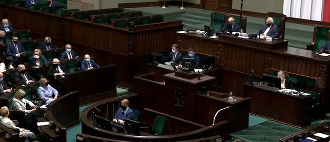 """Koronawirus. We wtorek chwilę przed północą Sejm przegłosował tzw. """"ustawę covidową"""""""