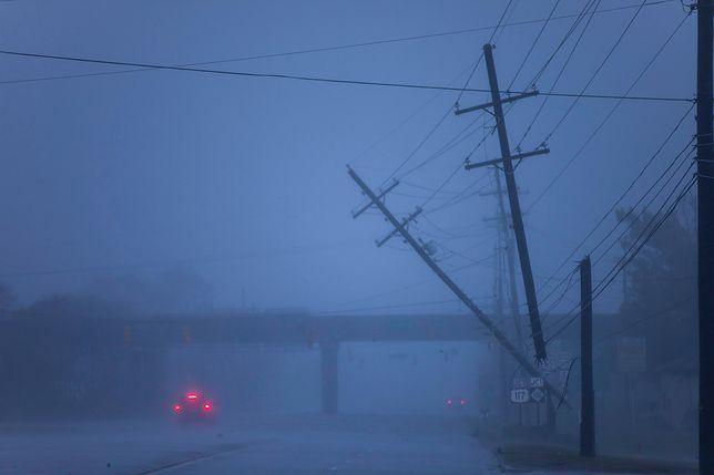 Huragan Florence uderzył w USA. Największym zagrożeniem ulewne deszcze, są pierwsze ofiary